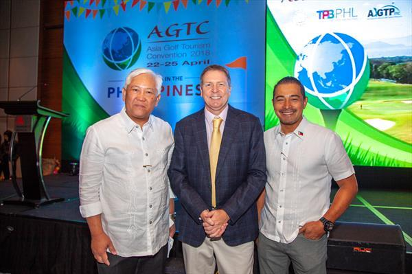 Philippine Department of Tourism Assistant Secretary for Office of Public Affairs, Communications and Special Projects of the Philippines (OPACSP) Frederick Alegre (left), IAGTO Chief Executive Peter Walton (centre), Philippine Tourism Promotions Board Chief Operating Officer Cesar Montano (right)