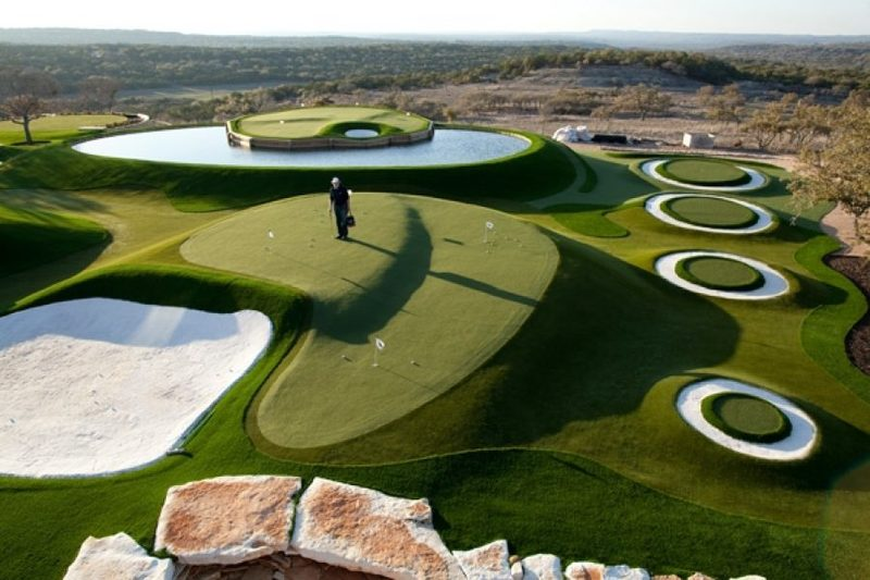 synthetic turf golf courses