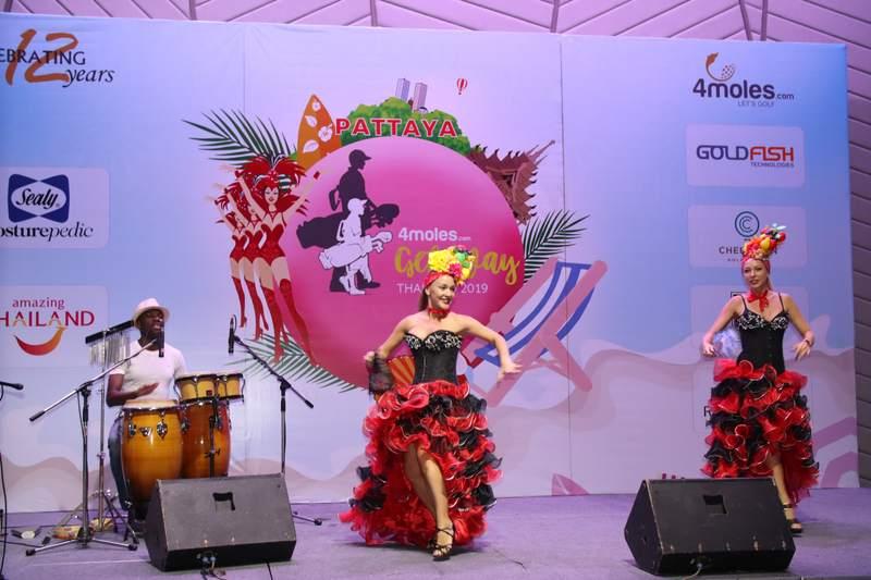 Cuban dancers at the do