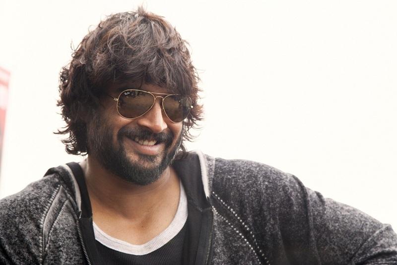 Exclusive Interview Madhavan on 4moles.com